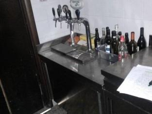 banco con bocche x distribuzione bevande (1).jpg