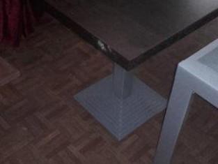 tavolinetti quadrati.jpg