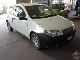 7 - Fiat punto Aveco.jpg