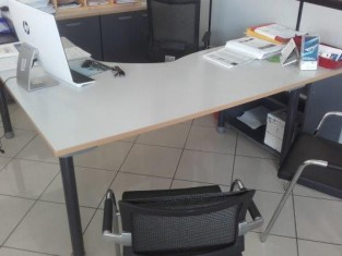 scrivania.jpg