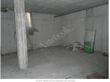 Fig 1 - LOTTO M - Deposito sito in Mag...