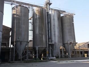 silos 1.jpg