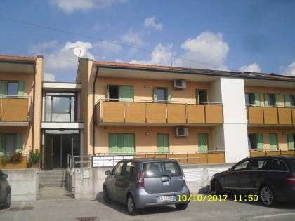 Fig 1 - Appartamento con pertinenze in...