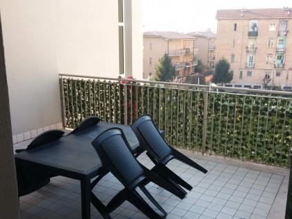 Fig 1 - Appartamentoin edificio condo...