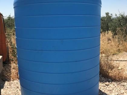 Fig 1 - Serbatoio cilindrico da litri...