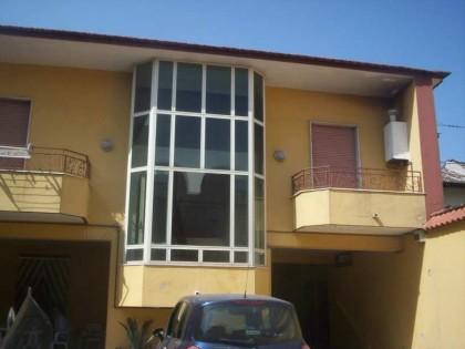 Fig 1 - Appartamento con annesso porti...
