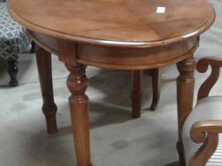 Fig 1 - Fig 1 - Tavolino ovale in legno di noc...