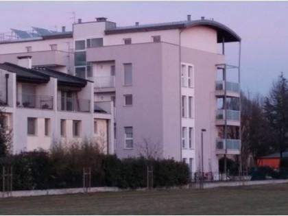 Fig 1 - Appartamento trilocale in edif...