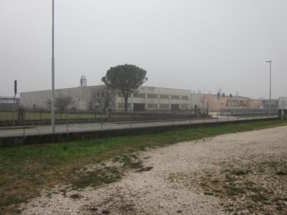 Fig 1 - Edificio industriale suddiviso...