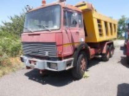 Fig 1 - Autocarro FIAT 330.35 targa 89...