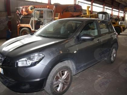 Fig 1 - Autovettura Nissan  Qashqai ta...