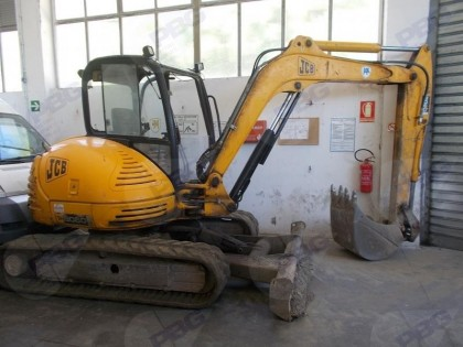 Fig 1 - Escavatore JCB 8060 targa 6823...