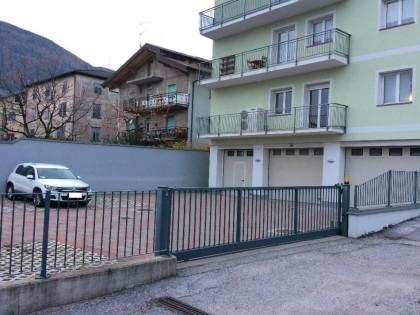 Fig 1 - In Cembra, posto auto scoperto...