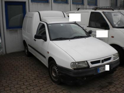 Fig 1 - Fig 1 - Autocarro Seat Inca Van, targa...