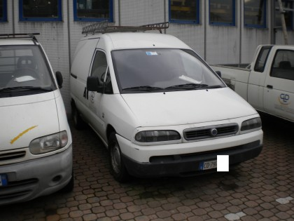 Fig 1 - Fig 1 - Autocarro Fiat Scudo, targato...