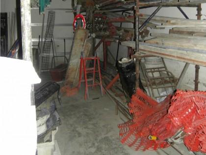 Fig 1 - Fig 1 - laboratorio adibito a magazzin...
