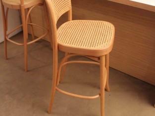 Immagini Di Sgabelli.Rif 443 Zona 6 Qta1 Coppia Di Sgabelli In Legno Con Seduta