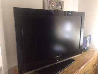 Fig 1 - Fig 1 - Lotto 2: Televisore Samsung 32...
