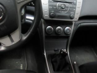 Fig 1 - Fig 2 - Autovettura marca MAZDA 6