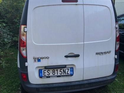 Fig 1 - Fig 1 - Autocarro Renault Kangoo targa...