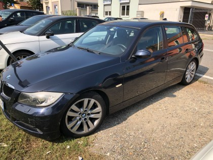 Fig 1 - Fig 1 - Autovettura BMW 320D targato C...