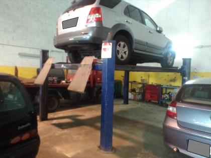 Fig 1 - Fig 1 - Ponte sollevatore per auto di...