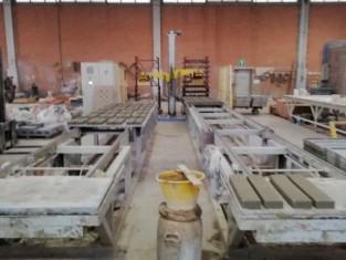 Scaffali In Ferro Zincato.Rif 033 Impianto Automatico Per Impilare Scaffali Zincati Su