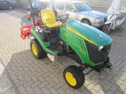 Fig 1 - Fig 3 - Trattore Agricolo JHON DEERE m...