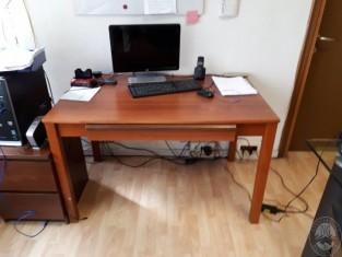 scrivania foto 3.jpg