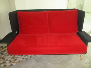Divano Rosso E Nero : Lotto n divano colore rosso e nero in tessuto vendita