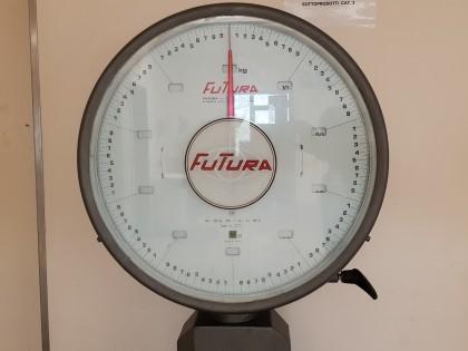 Fig 1 - Fig 2 - Bilancia marca FUTURA matricol...