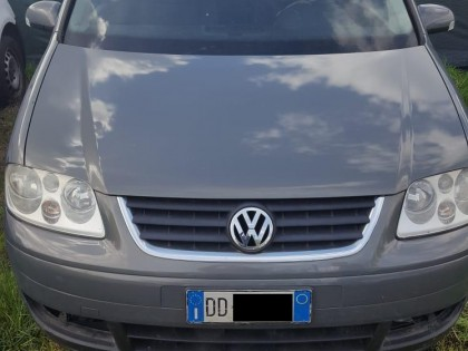 Fig 1 - Fig 1 - VOLKSWAGEN TOURAN - PT - 8172*...