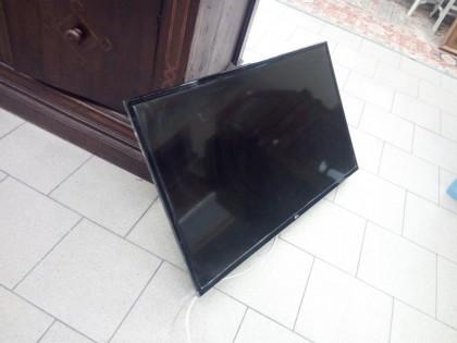 Fig 1 - Fig 1 - tv a parete e mobiletto - fi -...