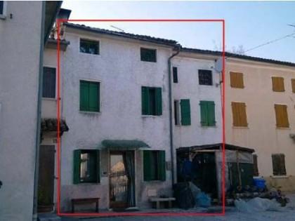 Fig 1 - Fig 1 - Casa che è porzione di un edif...