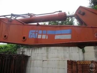 Fig 1 - Fig 3 - Escavatore cingolato