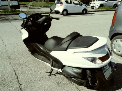 Fig 1 - Fig 1 - LOTTO 3 - motociclo Yamaha, an...