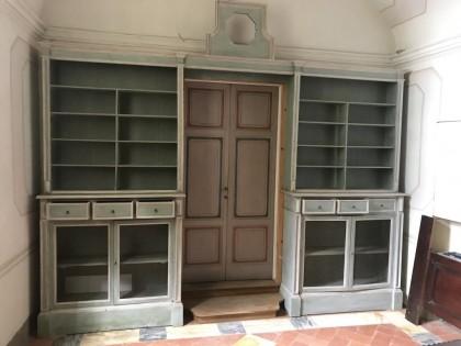 47) Libreria a ponte a due corpi con cassetti e sportelli - fi ...