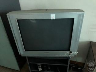 Fig 1 - Fig 1 - Art.43 Televisore marca Samsun...