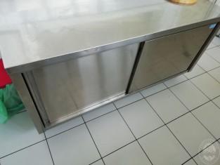 Lavello In Acciaio Con Mobiletto.Banco In Acciaio Con Lavello A 1 Vasca Banco In Acciaio Con 2