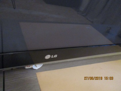 Fig 1 - Fig 2 - TV COLOR LG 60 POLLICI CON TEL...