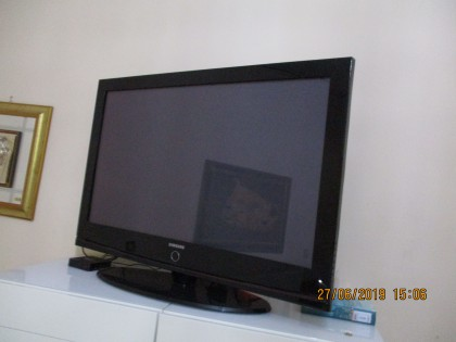 Fig 1 - Fig 1 - TV COLOR LG 60 POLLICI CON TEL...