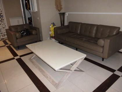 Fig 1 - Fig 1 - salotto composto da divano e u...