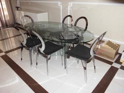 Sedie Per Tavolo Di Vetro.Tavolo In Vetro Di Forma Ovale Con Sei Sedie Vendita Fallcoaste It