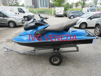 Fig 1 - Fig 1 - 45/19-3- 03 moto d'acqua marca...