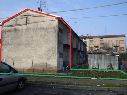 Fig 1 - Fig 3 - Piena proprieta' di edificio a...