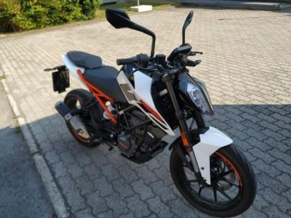 Fig 1 - Fig 1 - MOTOCICLETTA KTM DUKE 125 TG....