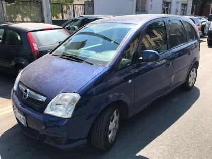 Fig 1 - Fig 1 - Autovettura Opel Meriva, tg. F...