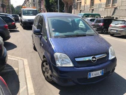 Fig 1 - Fig 2 - Autovettura Opel Meriva, tg. F...