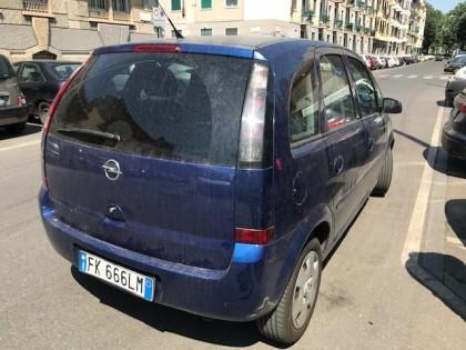 Fig 1 - Fig 3 - Autovettura Opel Meriva, tg. F...