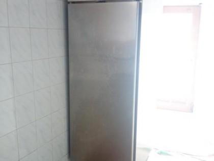 Fig 1 - Fig 2 - frigorifero, impastatrice e vi...